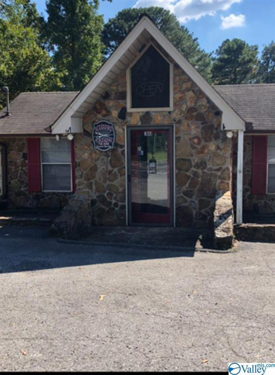 Photo of home for sale at 306 Us Highway 278 E, Cullman AL