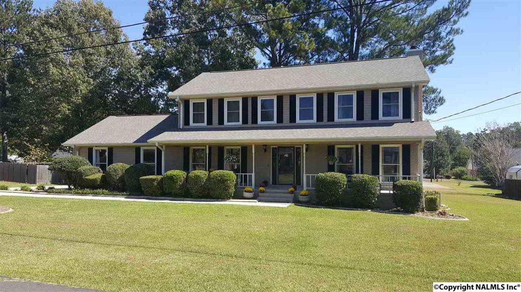 Photo of home for sale at Windsor Lane, Rainbow City AL