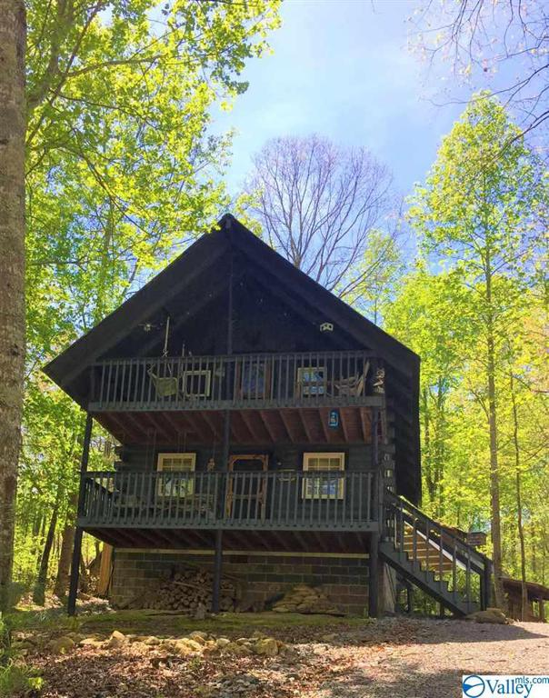 Photo of home for sale at 251 Road 911, Fort Payne AL