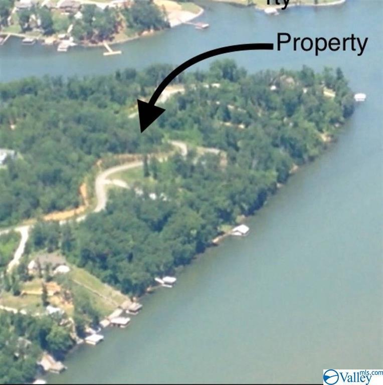 Photo of home for sale at 750 Monte Sano Drive, Scottsboro AL
