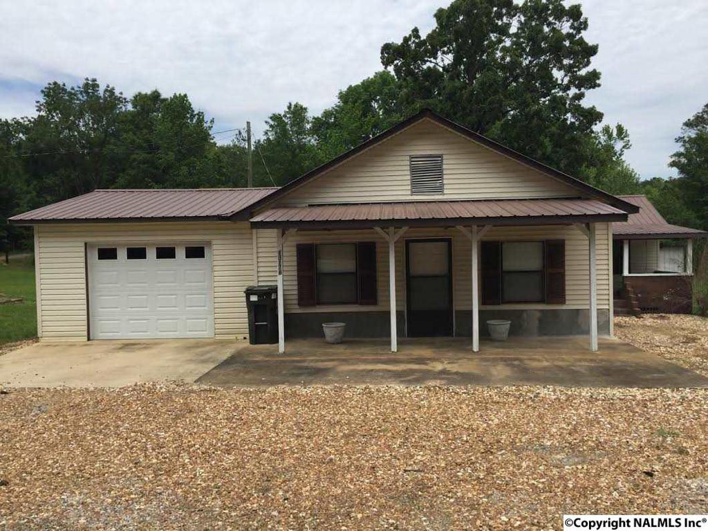 Photo of home for sale at Us Highway 278 E, Piedmont AL