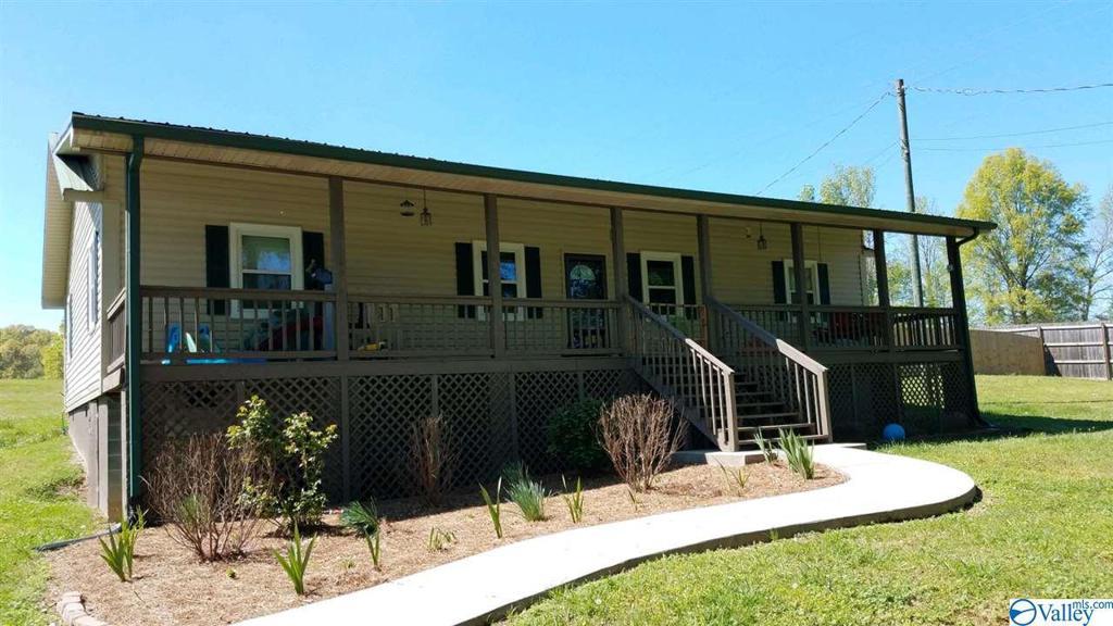Photo of home for sale at 2775 Alexandria-Wellington Road, Alexandria AL