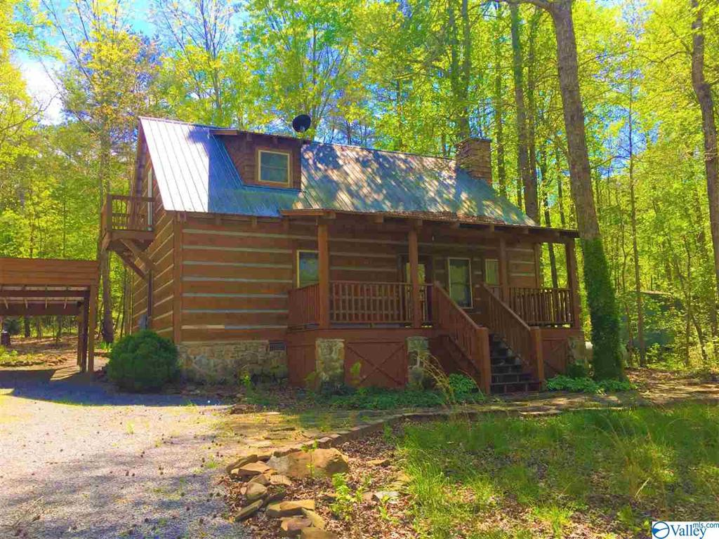 Photo of home for sale at 267 Road 911, Fort Payne AL