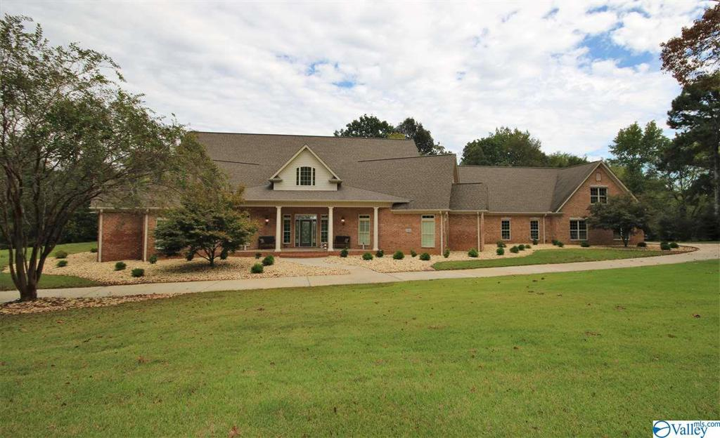 Photo of home for sale at 3924 San Souci Cave Road, Decatur AL