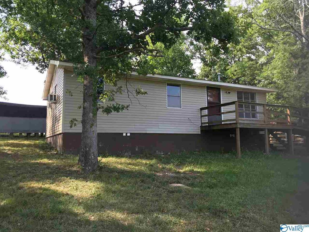 Photo of home for sale at 5827 Chandler Mountain Road, Steele AL