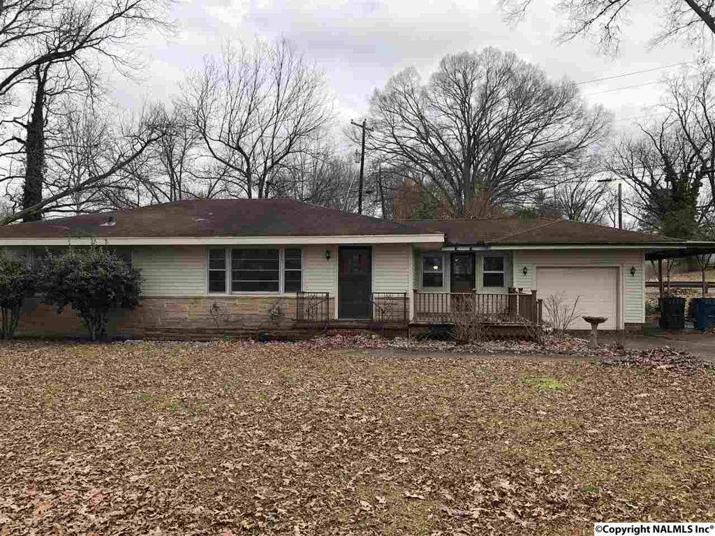 Photo of home for sale at Martling Road, Albertville AL