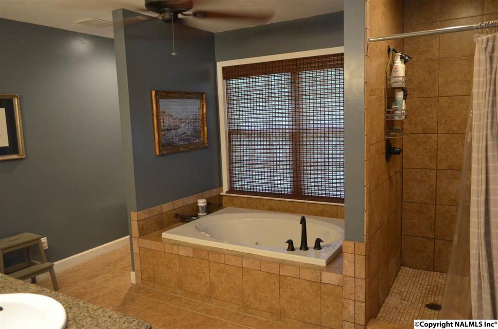 Photo of home for sale at Buena Vista Circle, Gadsden AL