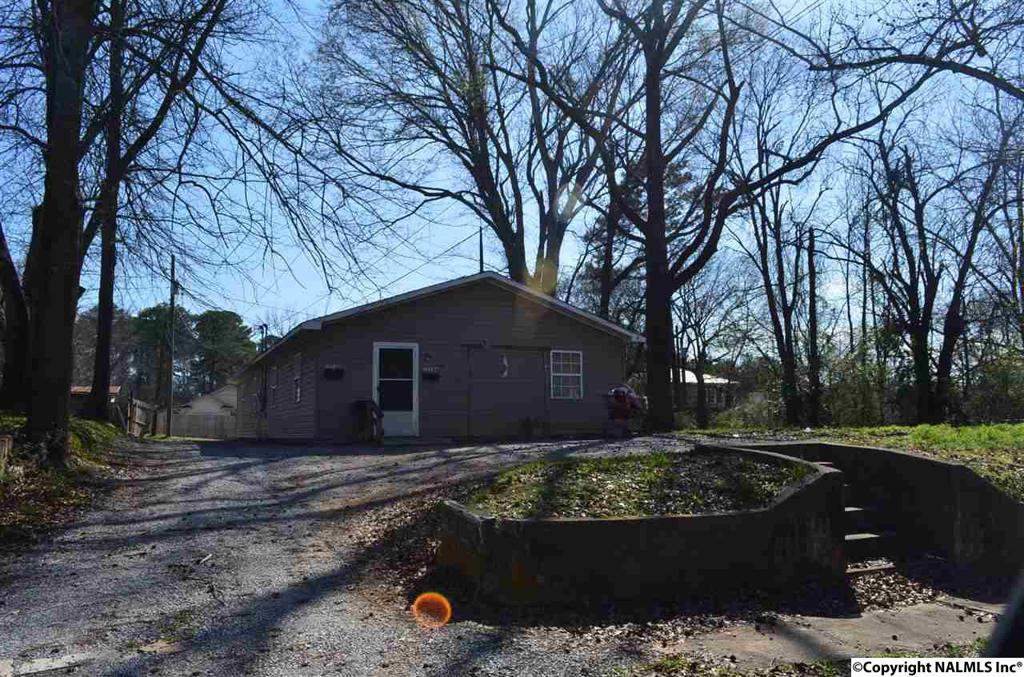 Photo of home for sale at 1514 Malone Street, Gadsden AL