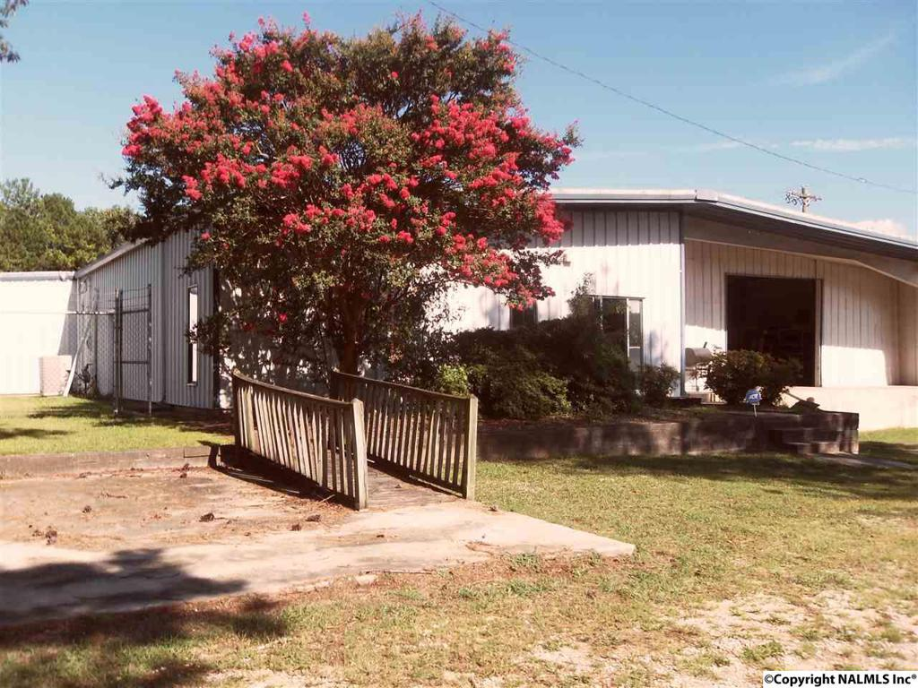 Photo of home for sale at Mcentire Lane, Decatur AL