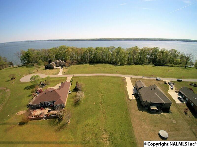 Photo of home for sale at 72 Saint Andrew Drive, Athens AL
