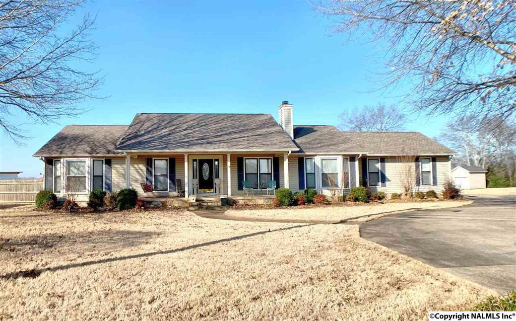 Photo of home for sale at Shwan Place, Athens AL