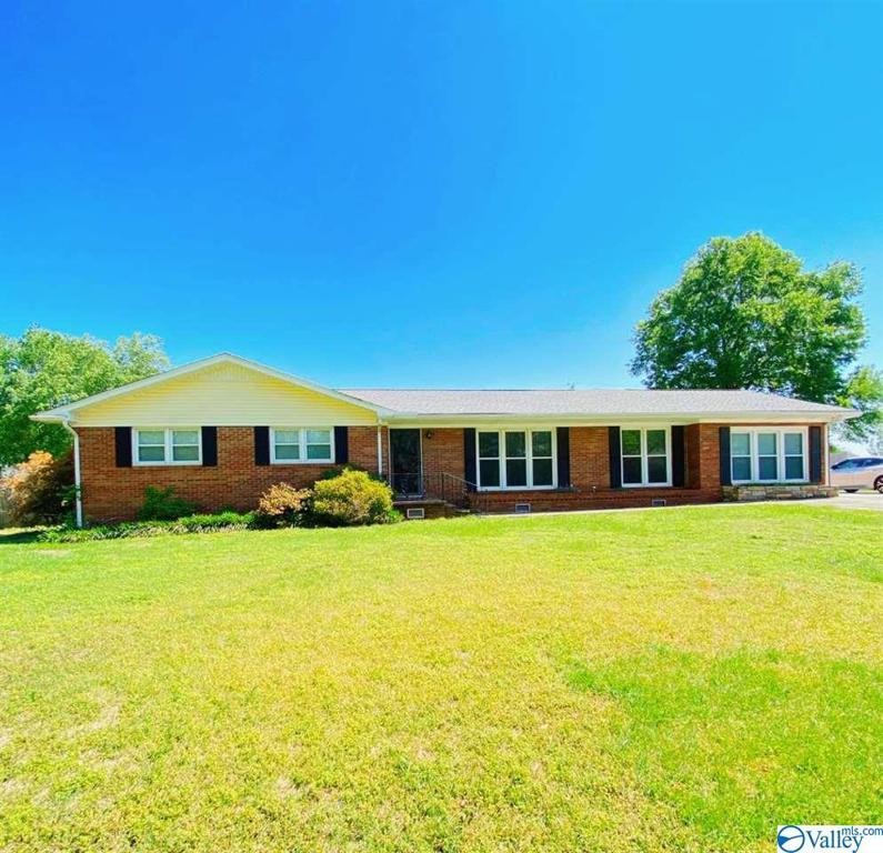 Photo of home for sale at 15266 Kings Drive, Athens AL