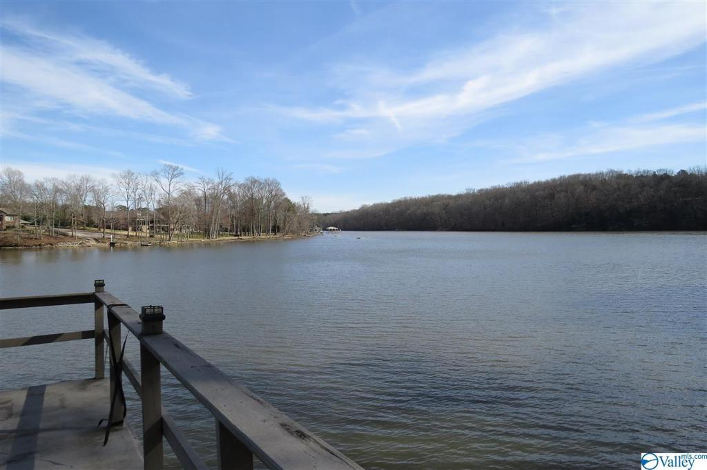 Photo of home for sale at 363 County Road 564, Rogersville AL