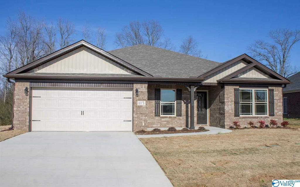 Photo of home for sale at 149 Heritage Way, Toney AL