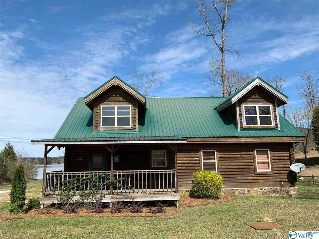 Photo of home for sale at 960 Launch Drive, Ashville AL