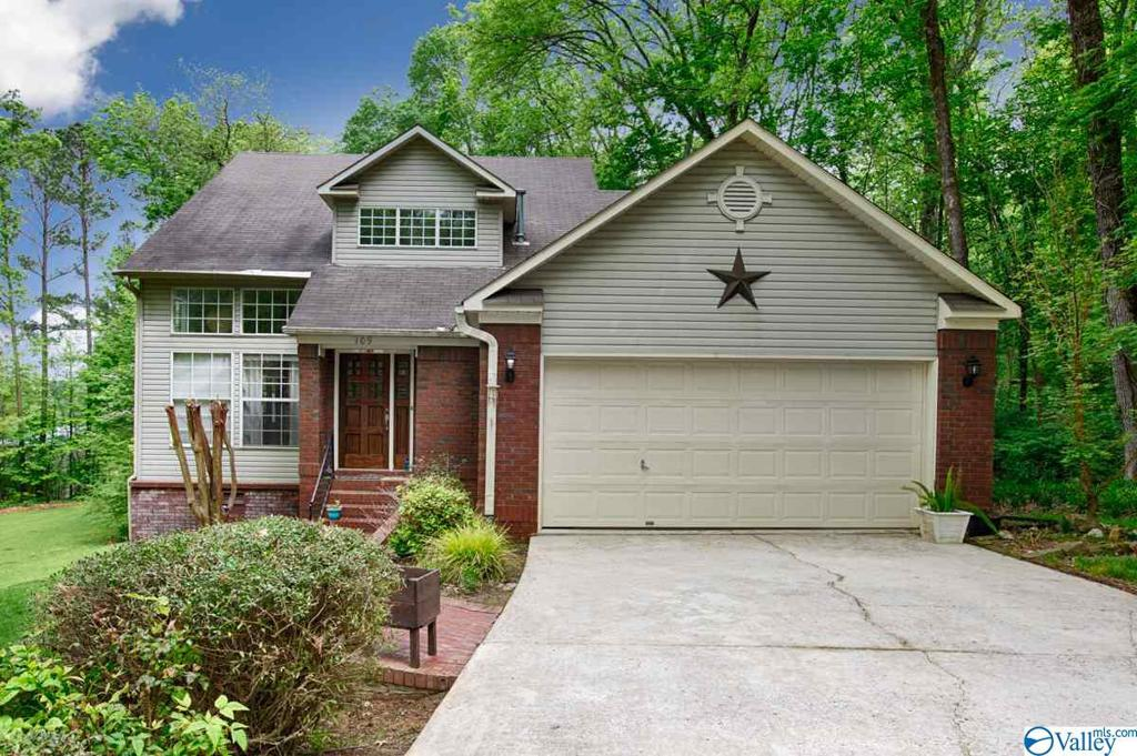 Photo of home for sale at 109 Victorian Lane, Owens Cross Roads AL