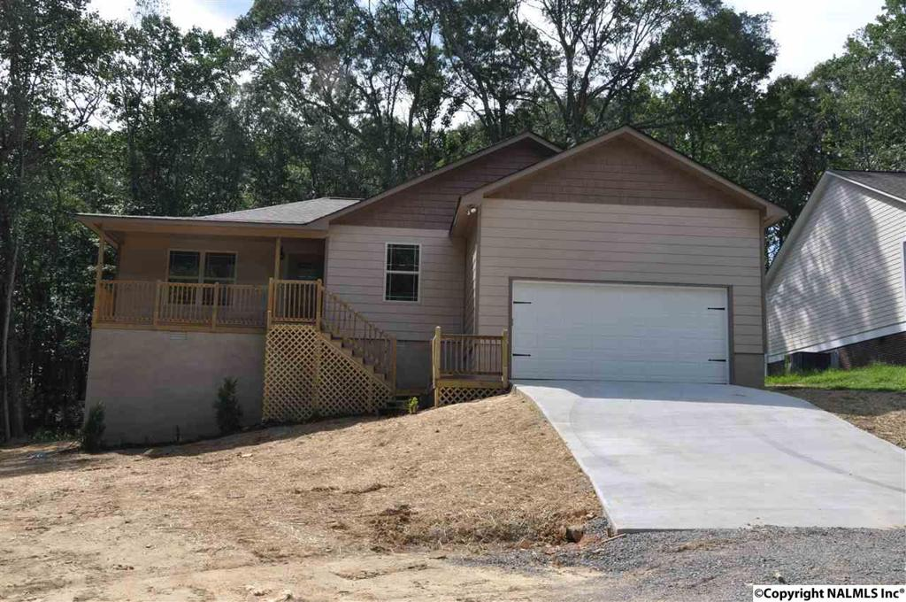 Photo of home for sale at Sparks Creek Drive, Arab AL