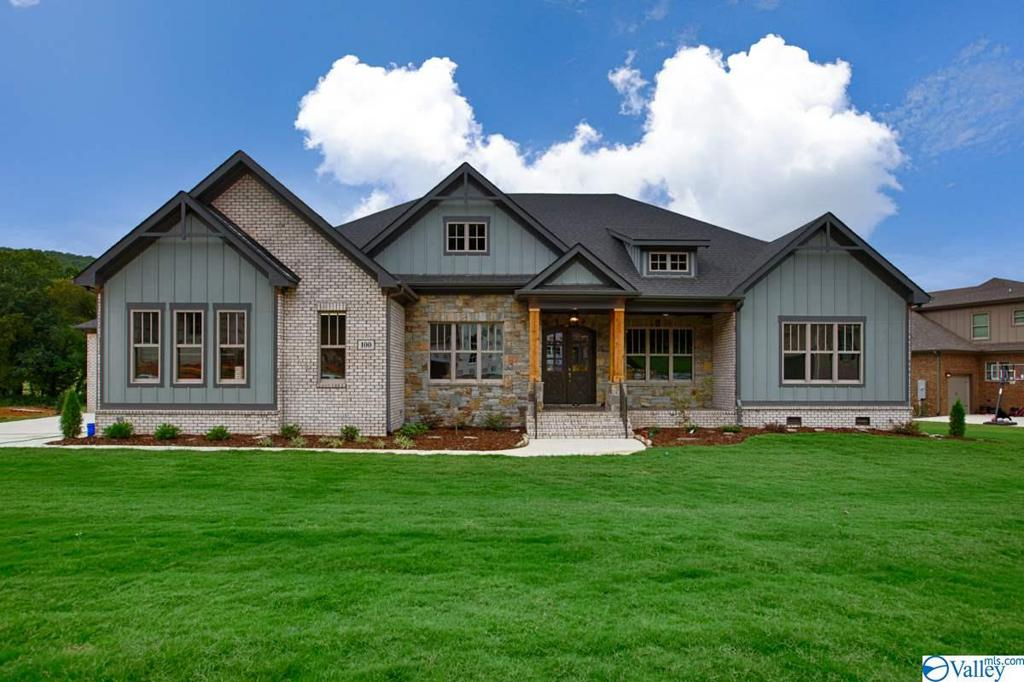 Photo of home for sale at 100 Mcmullen Lane, Gurley AL