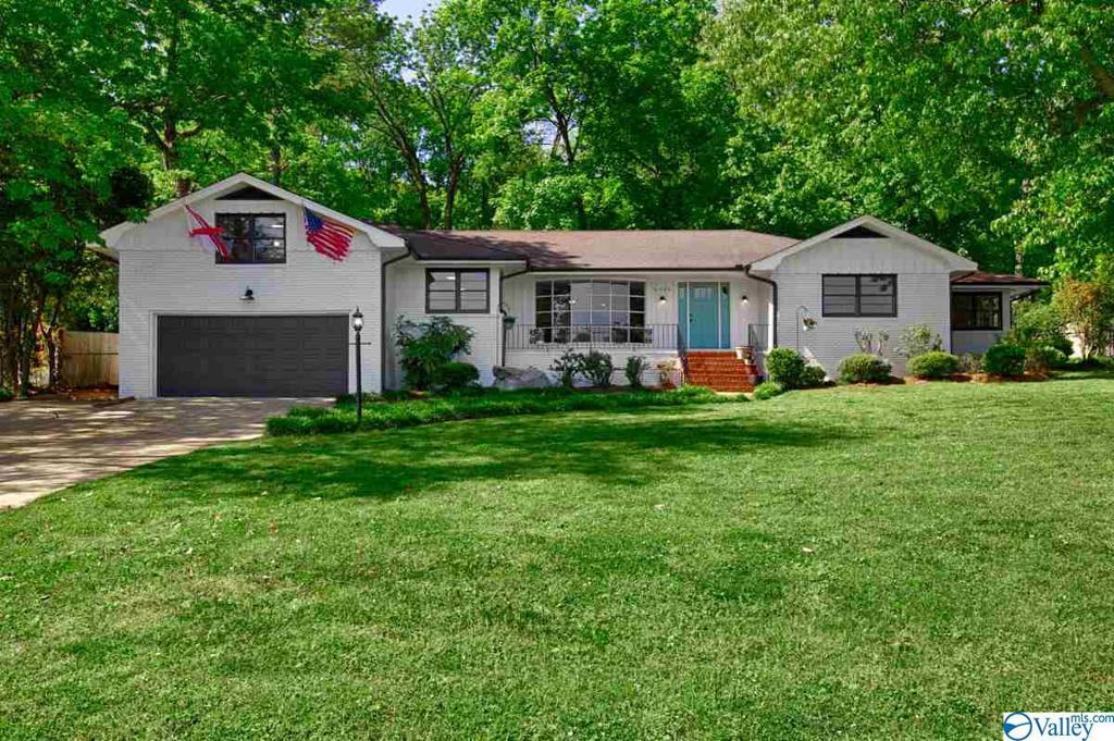 Photo of home for sale at 5820 Criner Road, Huntsville AL