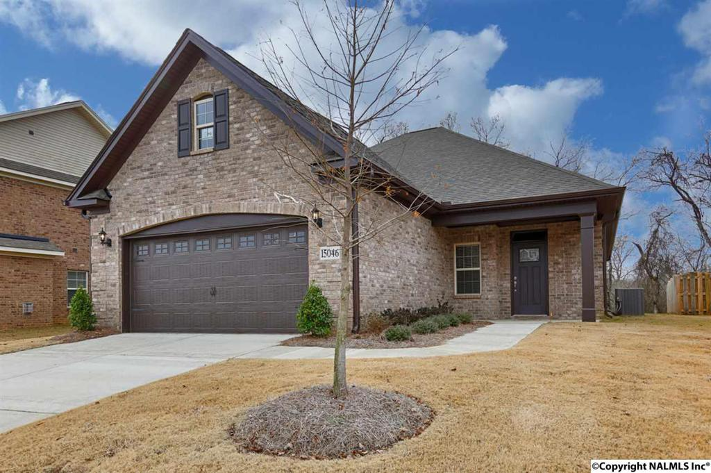 Photo of home for sale at Lakeside Trail, Huntsville AL