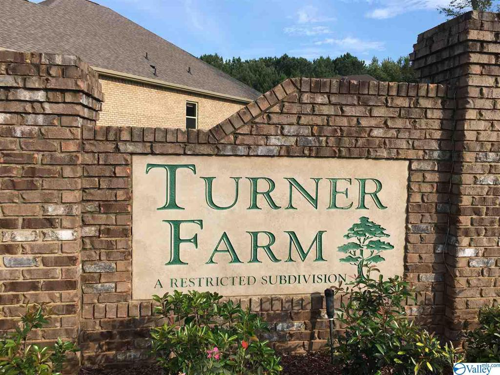 Photo of home for sale at 104 Pick Sack Lane, Huntsville AL