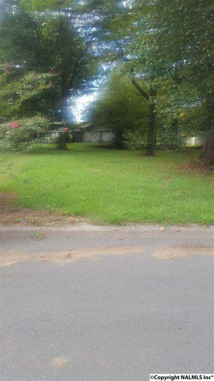 Photo of home for sale at 705 Lafayette Street, Decatur AL