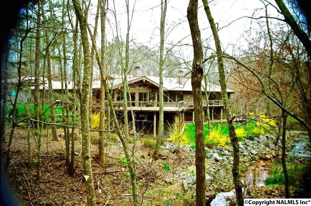 Photo of home for sale at Pine Lake Drive, Arab AL