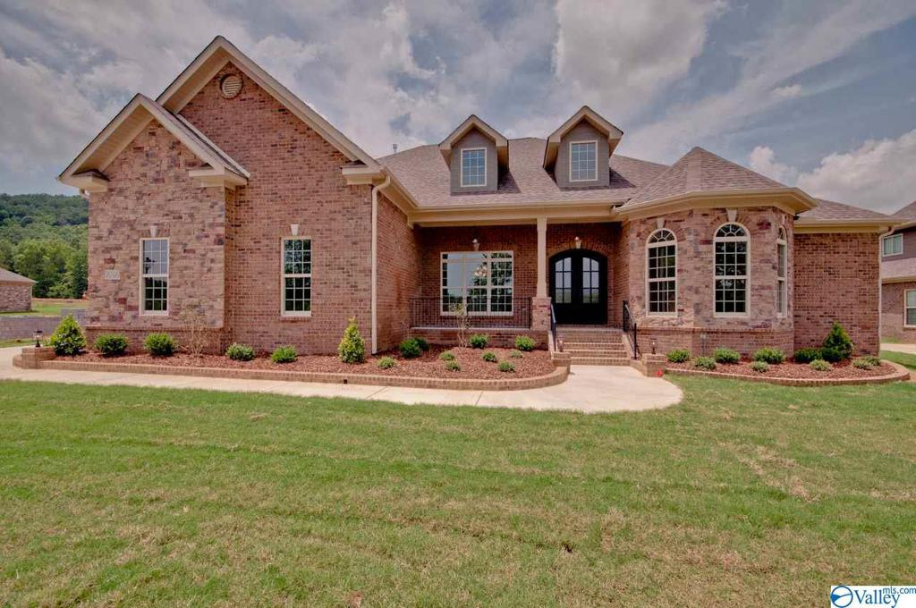 Photo of home for sale at 24 Brennan Hill Lane, Gurley AL