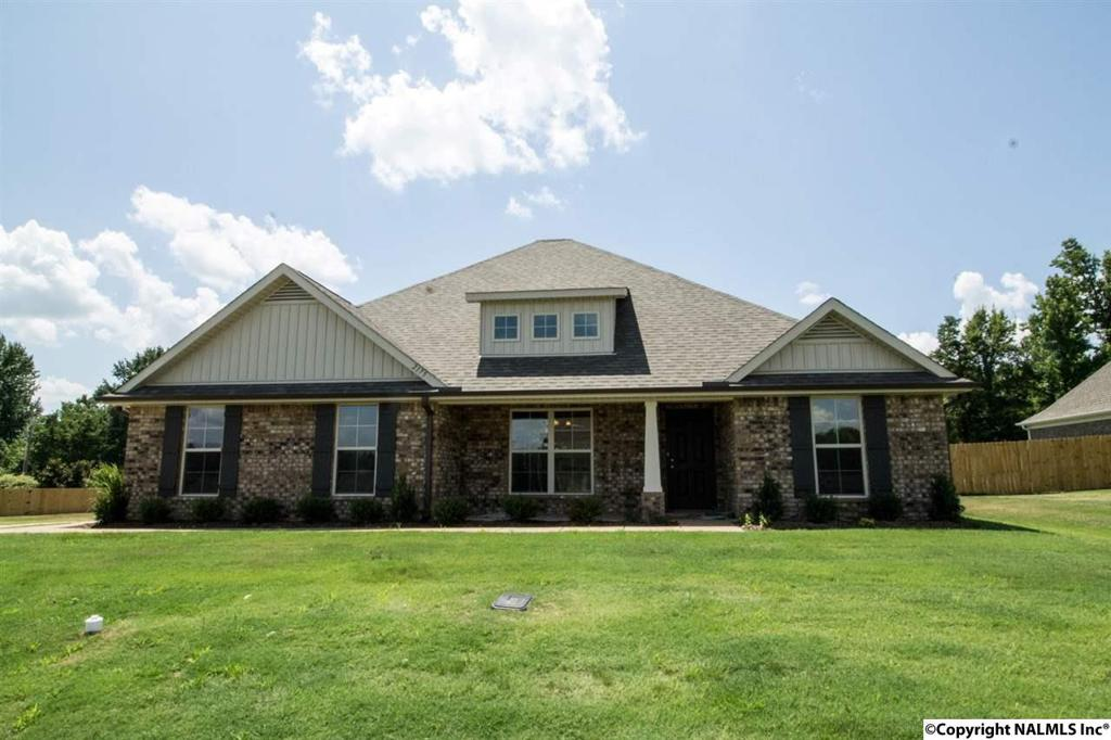 Photo of home for sale at Lyons Road, Owens Cross Roads AL