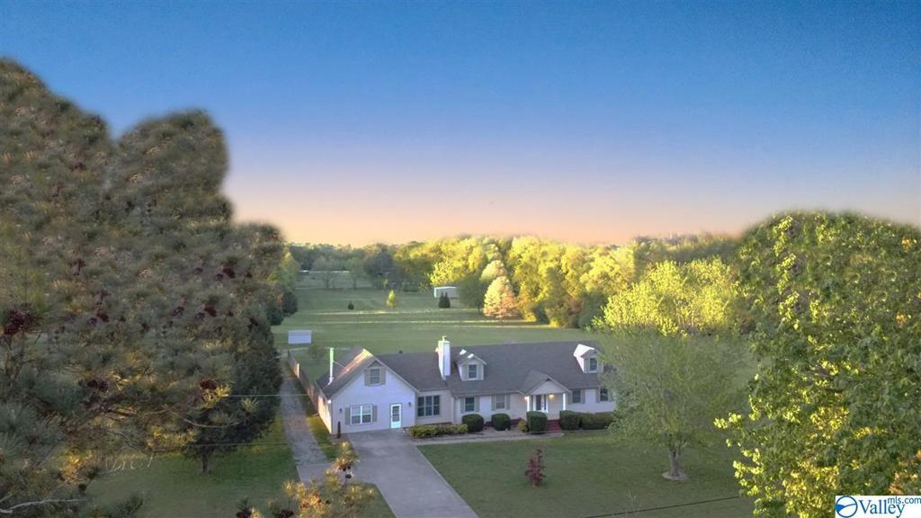 Photo of home for sale at 259 A Smith Road, Huntsville AL