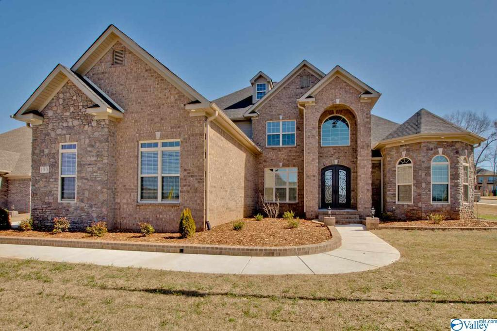 Photo of home for sale at 157 Shalerock Drive, Madison AL