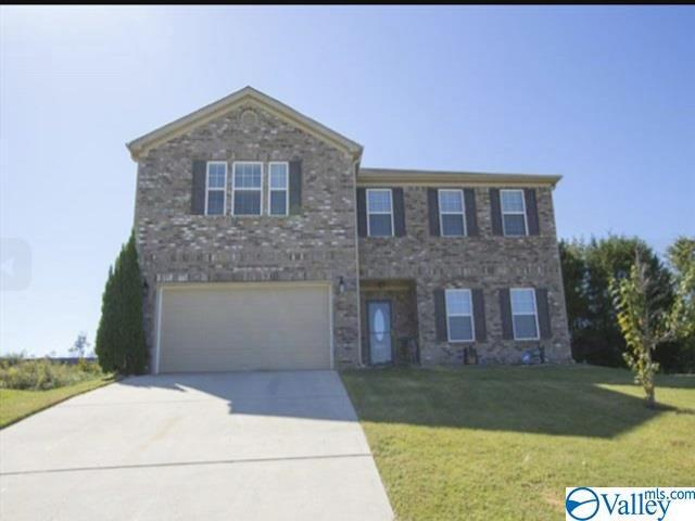 Photo of home for sale at 2415 Bell Manor Drive, Huntsville AL