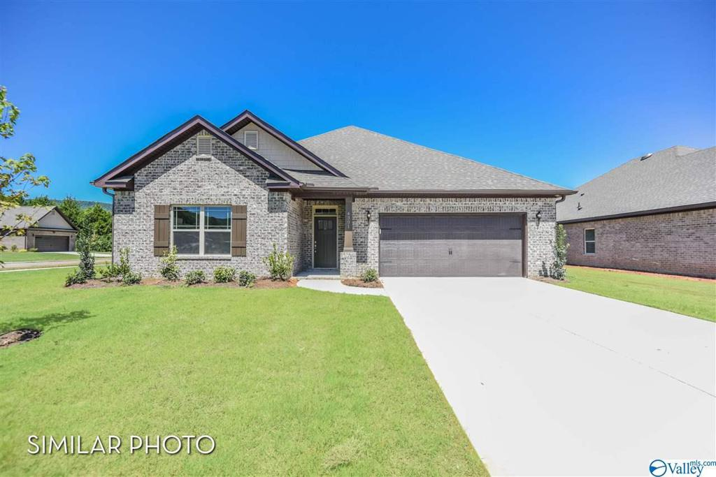 Photo of home for sale at 119 Pomelo Street, Huntsville AL