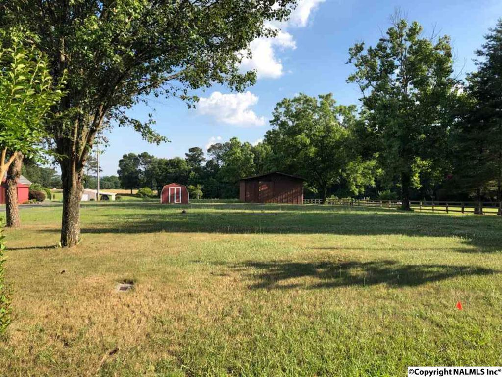 Photo of home for sale at Weatherly Avenue, Albertville AL