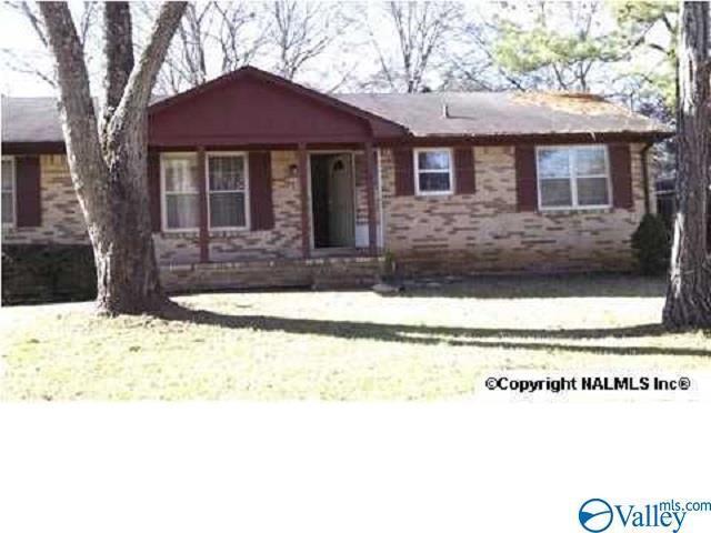 Photo of home for sale at 3209 Hollins Street, Huntsville AL