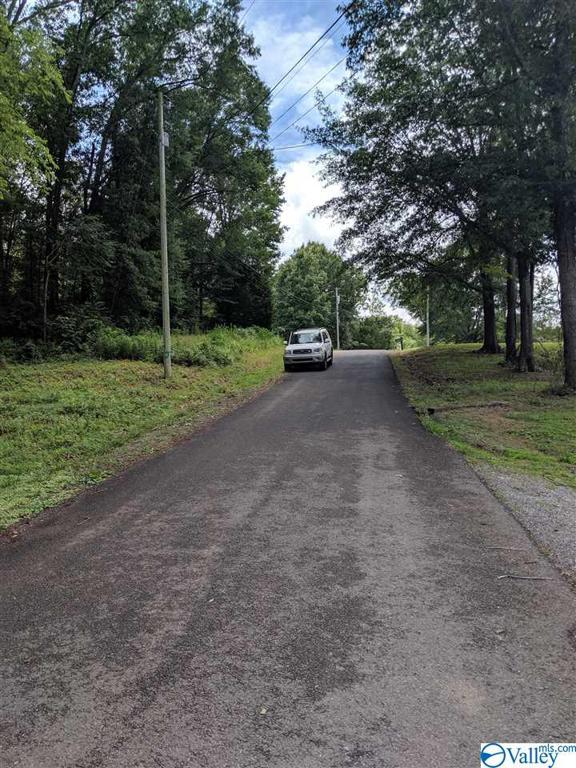 Photo of home for sale at 0 Robert Circle, Guntersville AL
