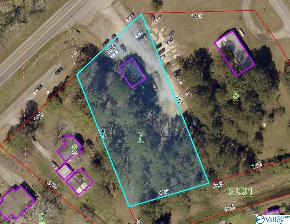 Photo of home for sale at 1324 Cedar Bluff Road, Centre AL