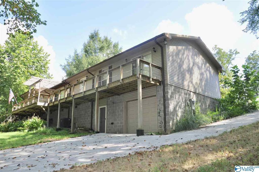 Photo of home for sale at 400 County Road 954, Crane Hill AL
