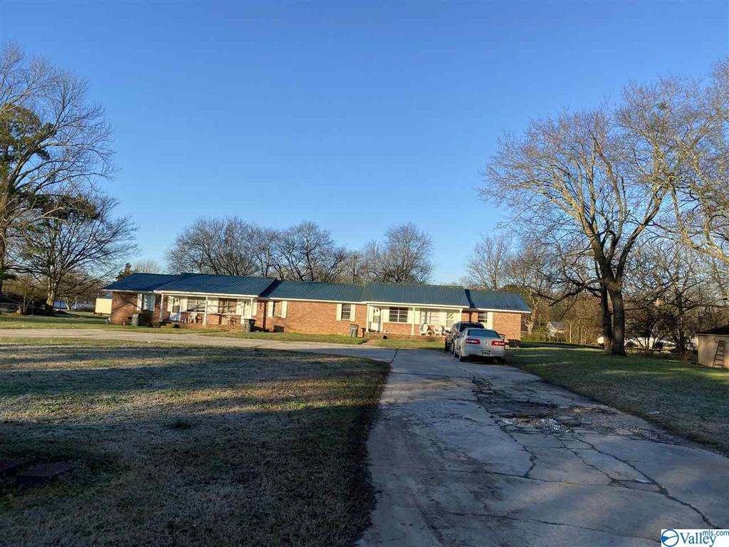 Photo of home for sale at 575 Church Street, Town Creek AL