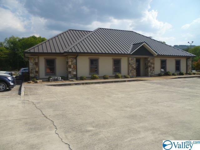 Photo of home for sale at 2615 Gault Avenue, Fort Payne AL