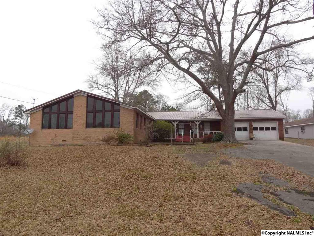 Photo of home for sale at County Road 541, Hanceville AL