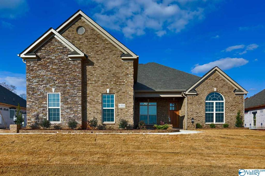 Photo of home for sale at 4417 Lake Willow Blvd, Owens Cross Roads AL