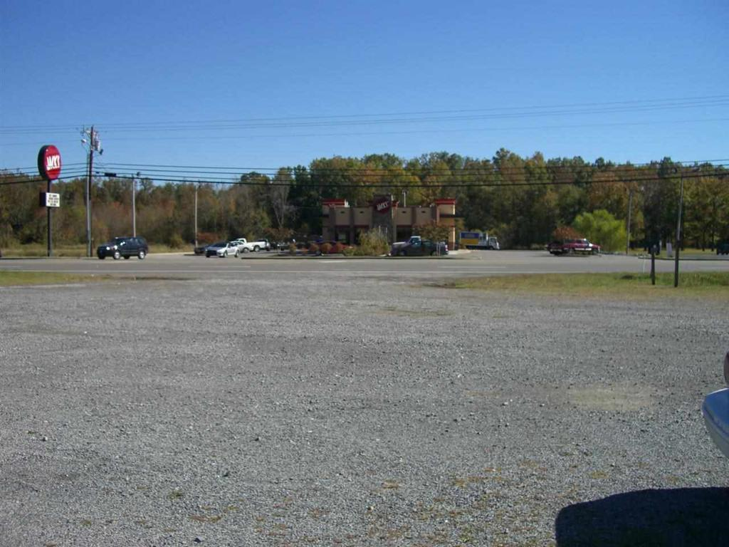 Photo of home for sale at 2904 Broad Street S, Scottsboro AL