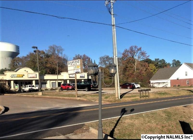 Photo of home for sale at 1094 Nick Davis Road, Harvest AL
