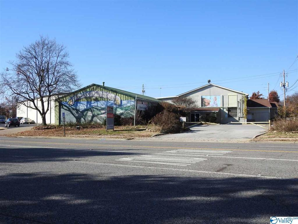 Photo of home for sale at 628 Meridian Street, Huntsville AL
