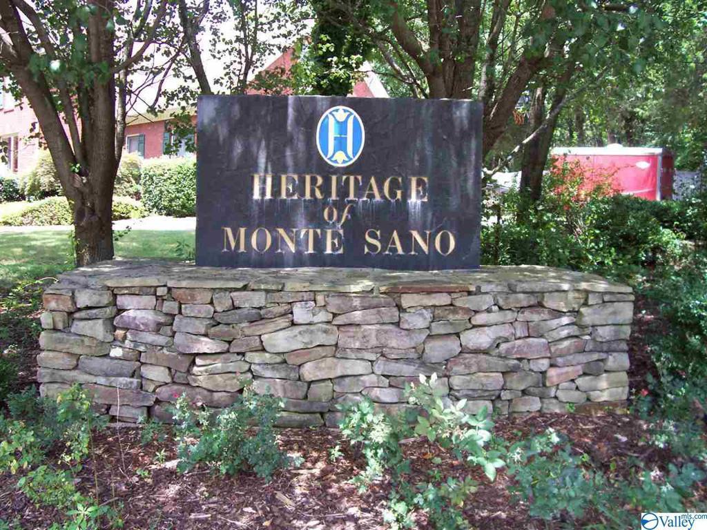 Photo of home for sale at 36 Darlington Road, Huntsville AL