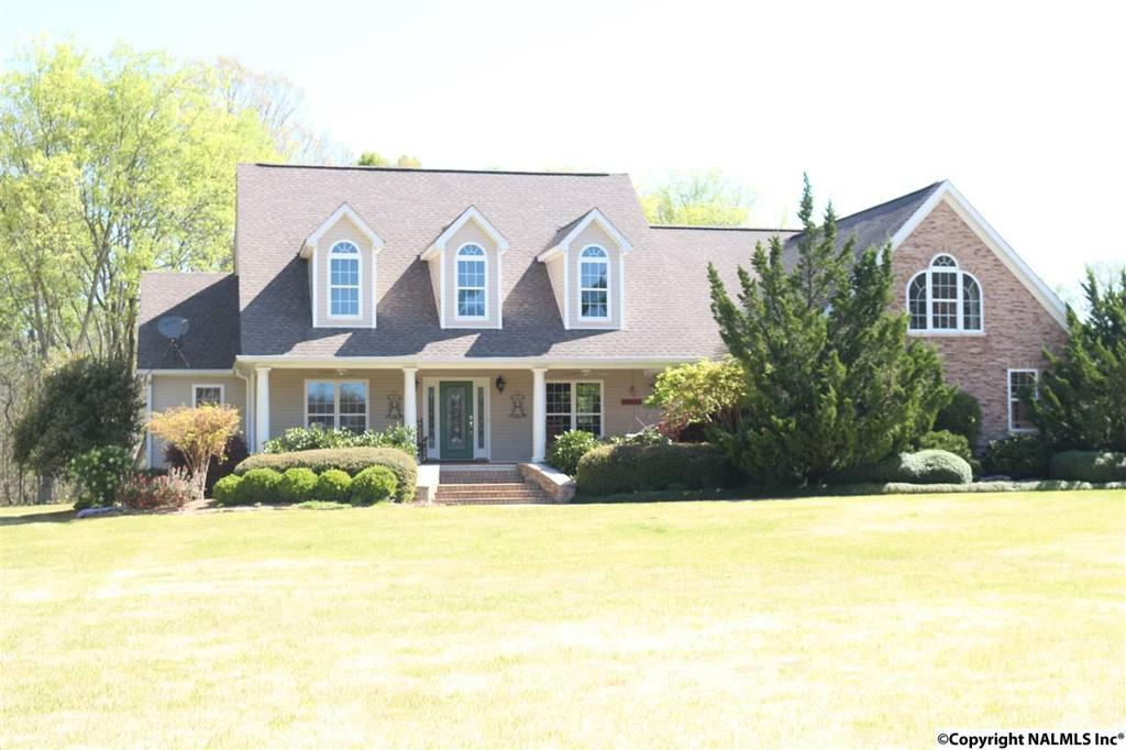Photo of home for sale at Shady Lane, Hazel Green AL