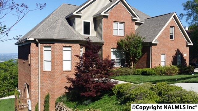 Photo of home for sale at 1400 Deborah Drive, Huntsville AL