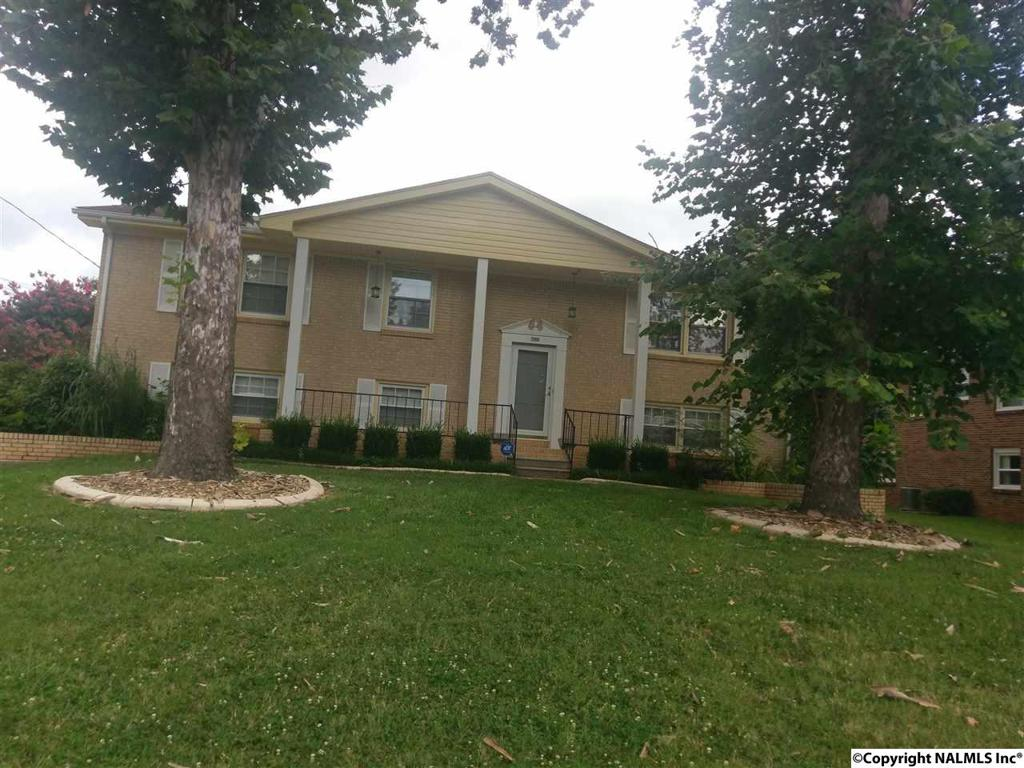 Photo of home for sale at 2904 Moss Road, Huntsville AL