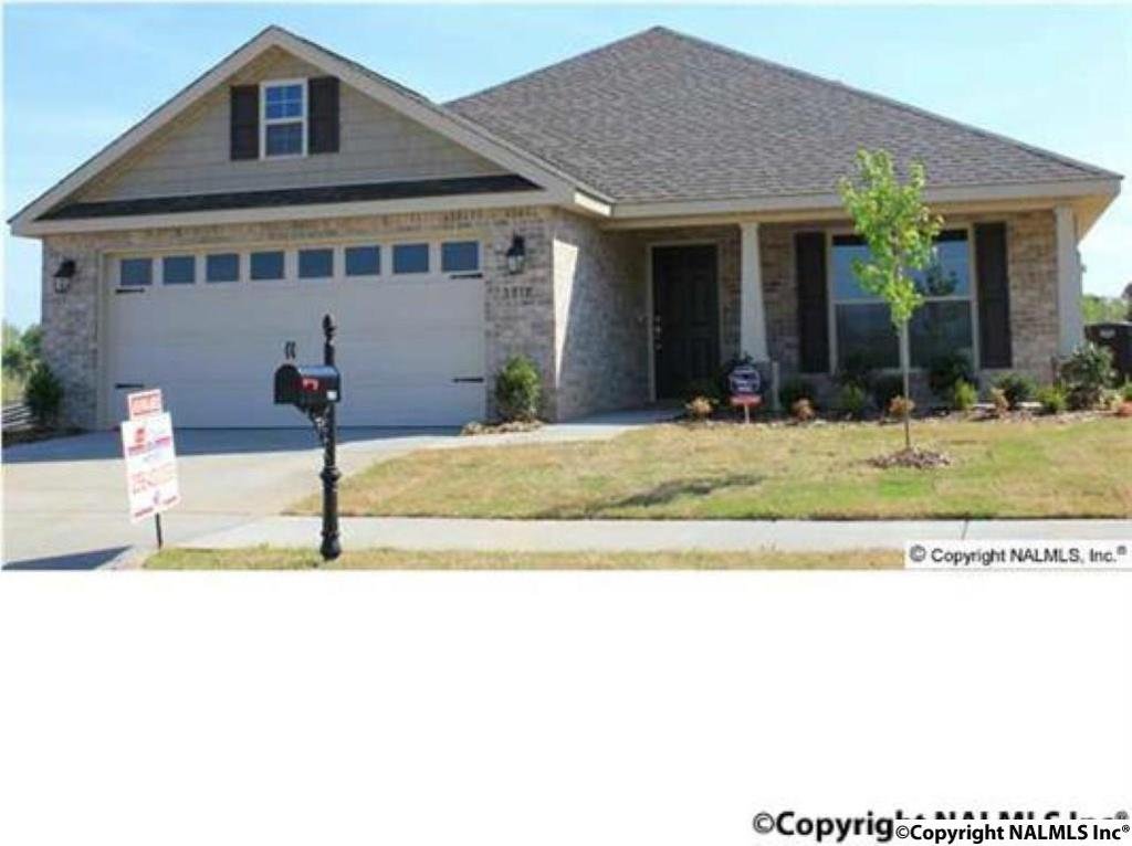 Photo of home for sale at 103 Brooklawn Drive, Harvest AL